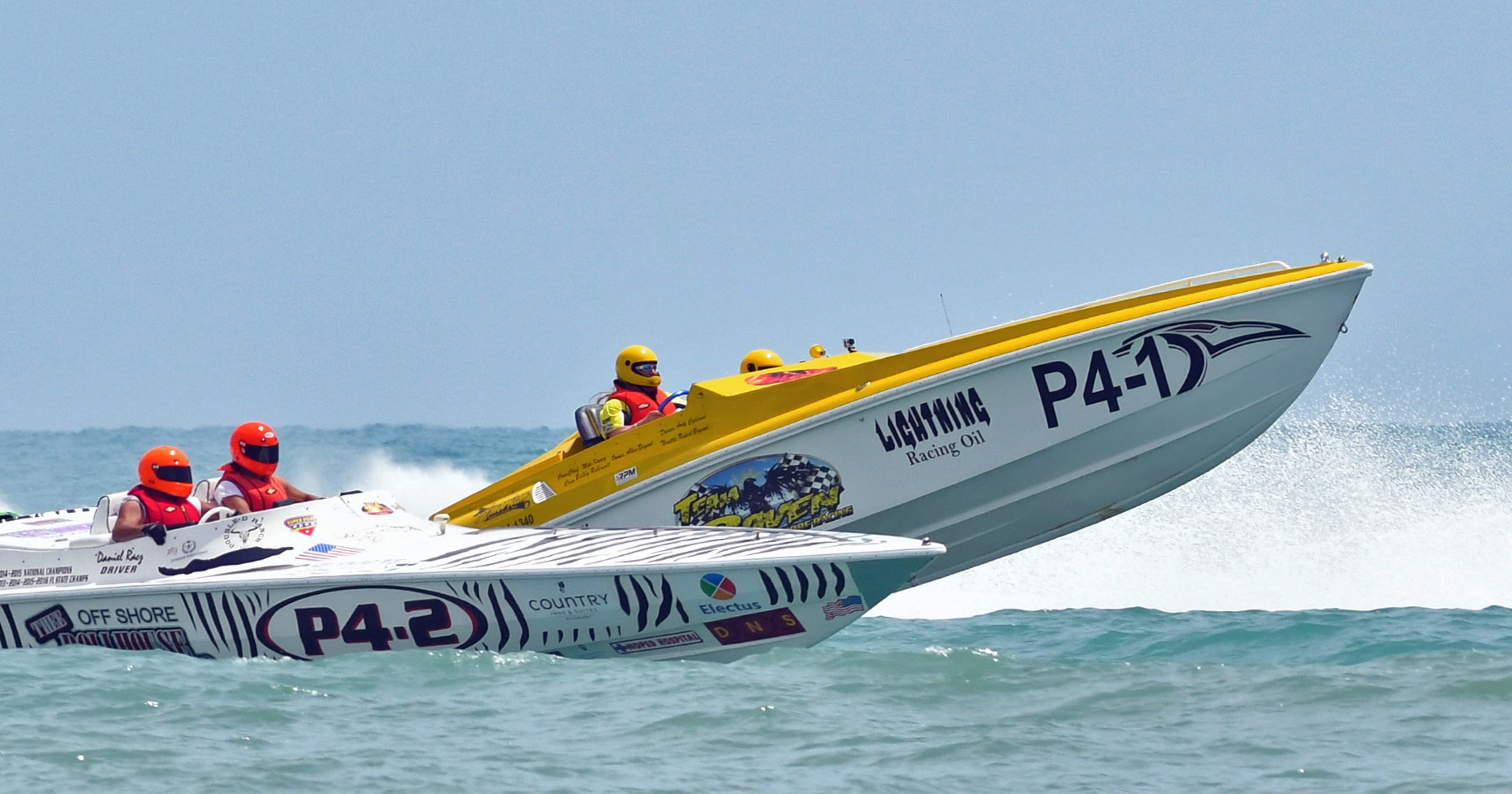Speed, thrills as powerboat races thunder into Cocoa Beach