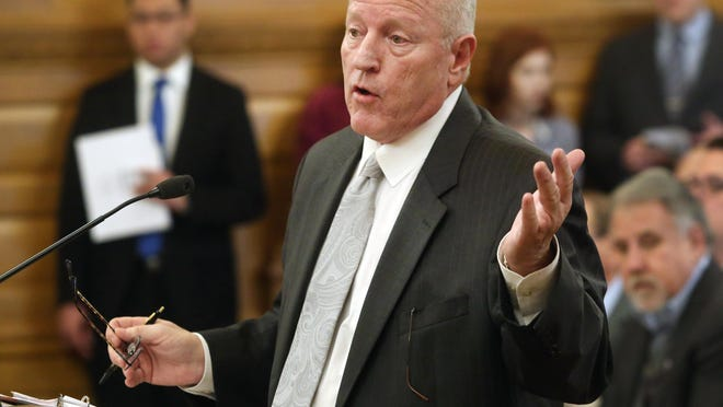 Kansas budget director Larry Campbell is set to retire after two years in the post, Gov. Laura Kelly announced Tuesday.