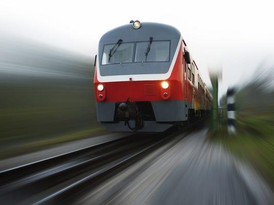 635972937780113013-tren.jpg