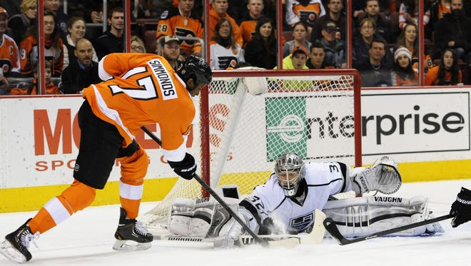 Wayne Simmonds began his career with the Kings.