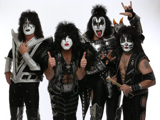 Kiss 2014