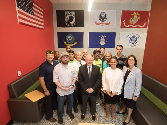 Congressman Leonard Lance visits the veterans center