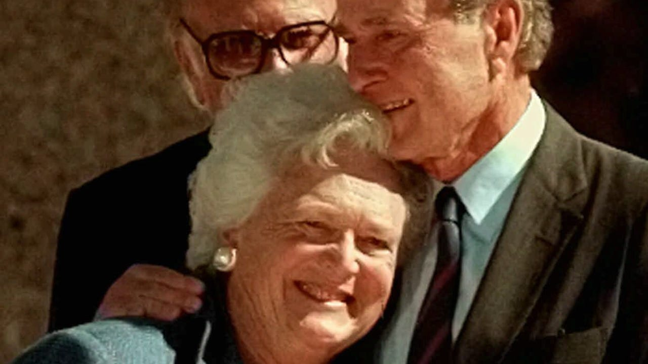Christmas In April With Help Of Bush >> Barbara And George Bush S Epic Love Story Began At Christmas Dance
