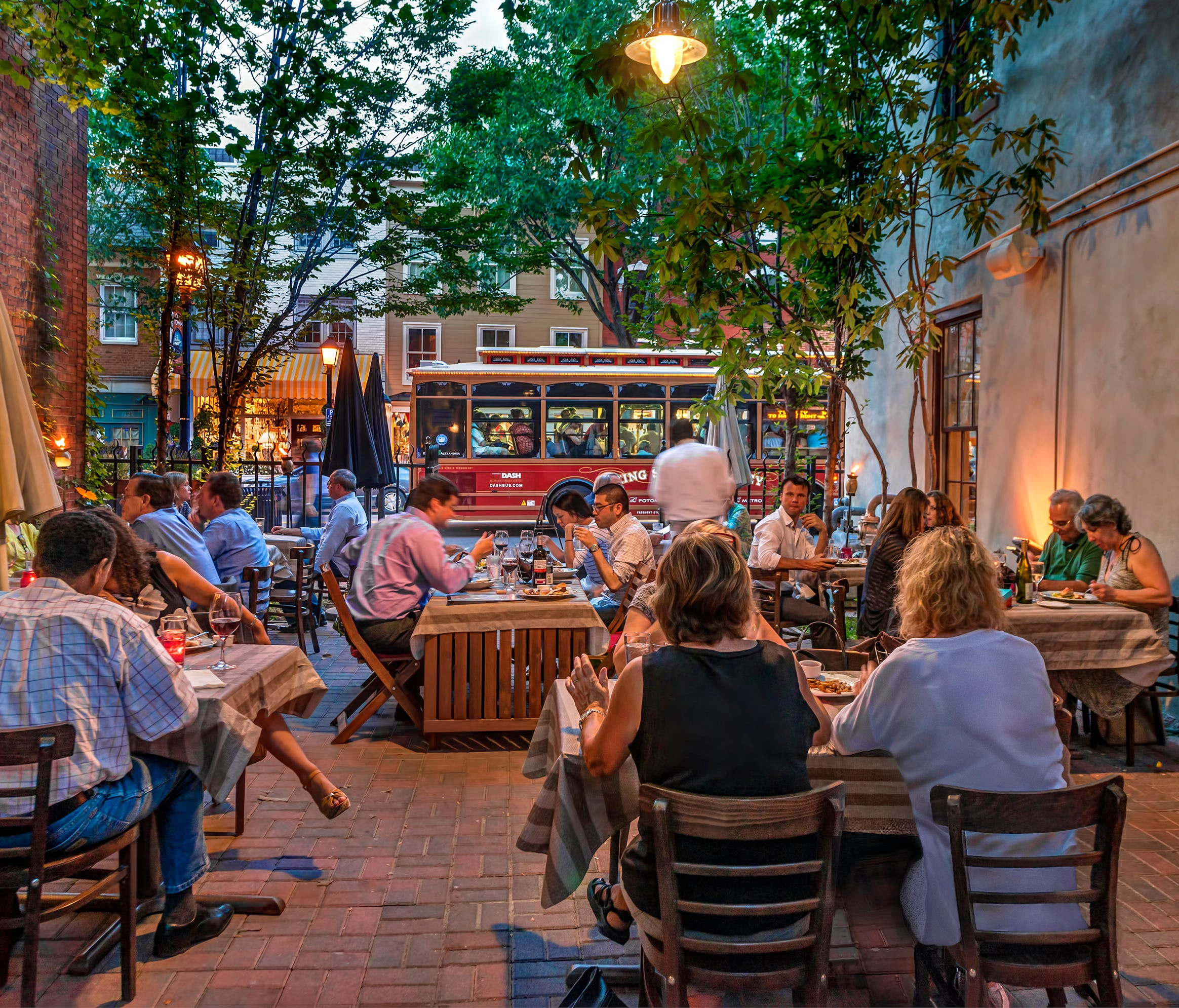 There's a slight urban vibe in Alexandria, but it's paired with some serious small-town charm.