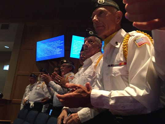 636112136530474614-veterans.JPG