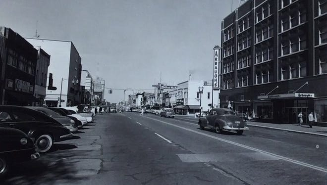 A view of Washington Avenue. Arbaugh's is on the right.
