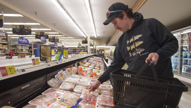 Low food prices and razor-sharp competition are creating bargains for shoppers — but killing profits for grocery chains