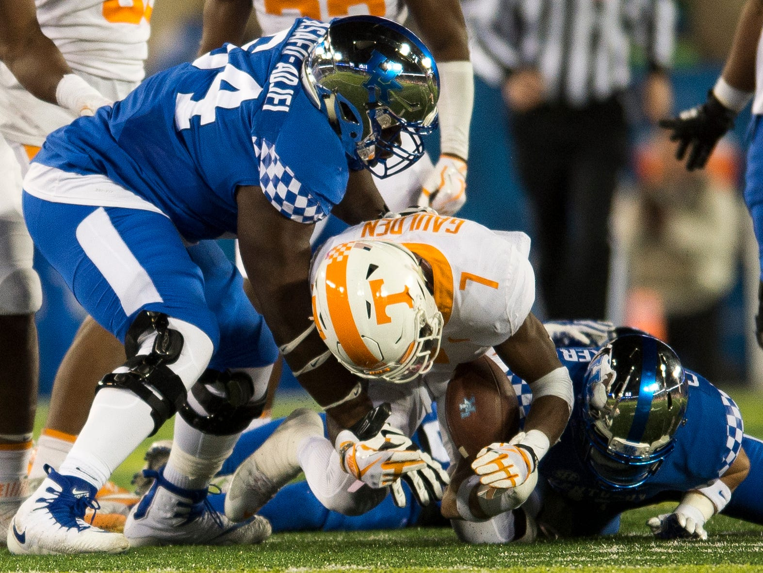 Tennessee defensive back Rashaan Gaulden (7) comes up with the fumble during Tennessee's game against Kentucky at Kroger Field in Lexington on Saturday, Oct. 28, 2017.