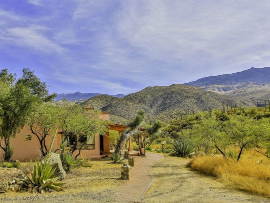 Tanque Verde offers casitas and suites, some with fireplaces, soaking tubs and patios with wilderness views.