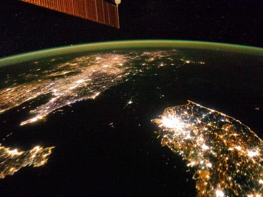 Korea night.jpg