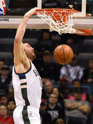 Center Miles Plumlee returned to the Bucks' starting lineup for the first time since Nov. 25 and contributed 10 points in 20 minutes.
