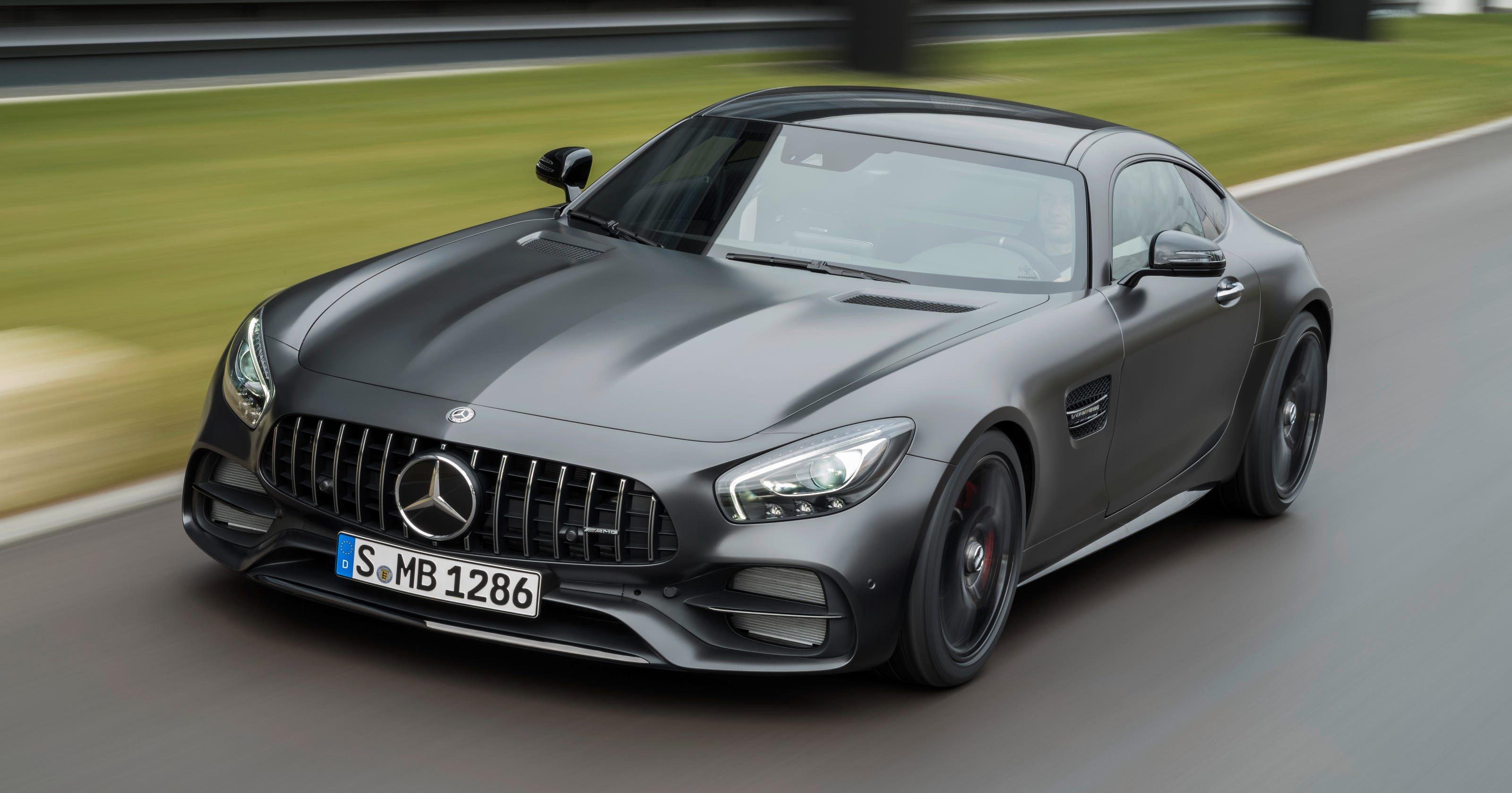 Mercedes unveils high-performance AMG models at NAIAS