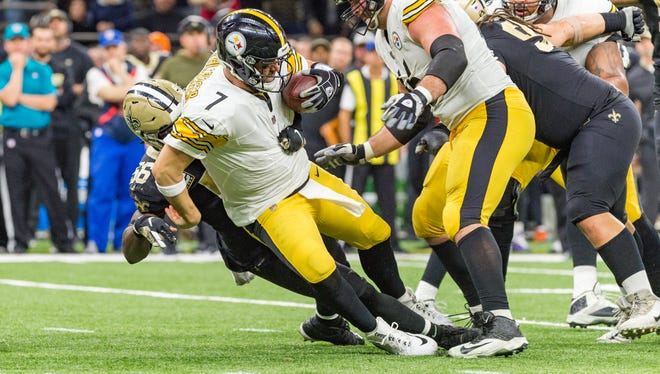 Saints linebacker Demario Davis sacks Steelers quarterback Ben Rothlisberger during the NFL football game between the New Orleans Saints and the Pittsburgh Steelers in the Mecedes-Benz Superdome.. Sunday, Dec. 23, 2018.