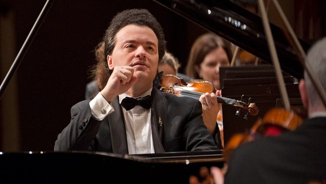 Evgeny Kissin balanced power and poetry in Rachmaninoff's Piano Concerto No. 2 with the CSO