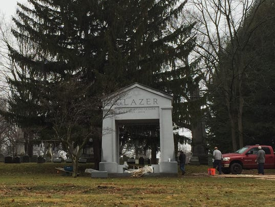 Malcolm Glazer Memorial At Mt Hope Signals Change