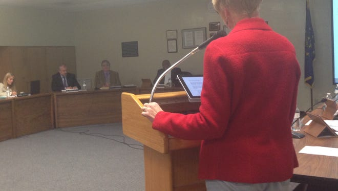 Linda Hanson, a spokesperson for the League of Women Voters, addresses Muncie Community Schools board during a public hearing on proposed changes to the superintendent contract during the Nov. 10 meeting.