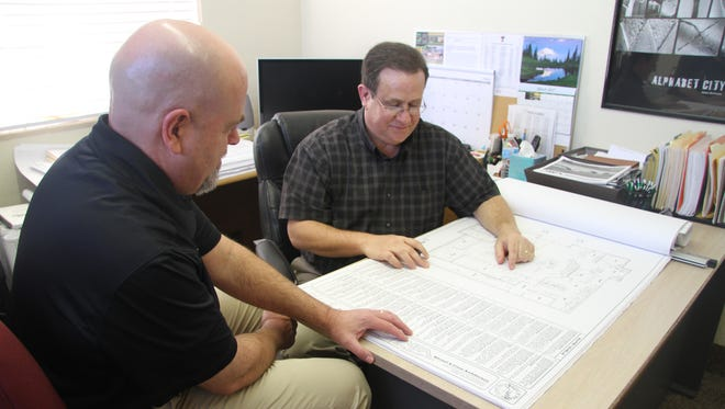 Carlsbad's Larry Mitchell (left) and Dean Cruse of Mitchell & Cruse Architecture LLC are working with Albuquerque-based Dekker/Perich/Sabatini to design a new elementary school.