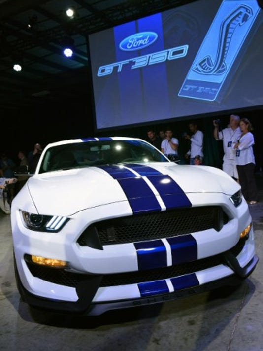 2015-Shelby-GT350-Mustang