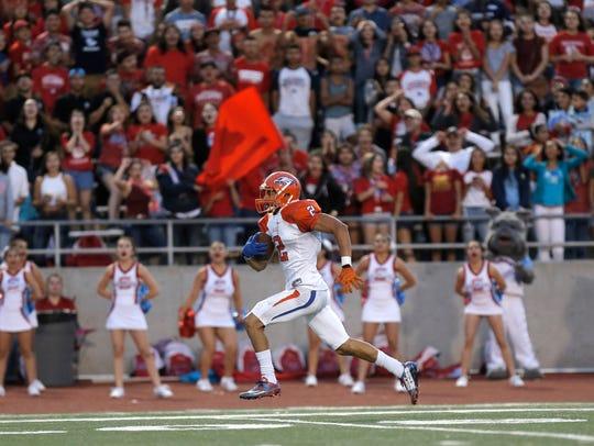 Canutillo wide receiver Joseph Paz sprints down the