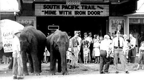 """The First Street entrance to Arcade in 1952, featuring a promotion for coming attraction, """"The Greatest Show on Earth."""""""