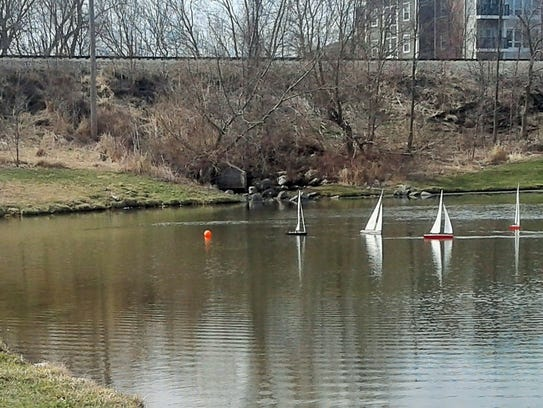 Members of the Eastern Iowa Model Yacht Club provided