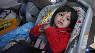 Niños hispanos, los que más mueren por no traer asiento de seguridad