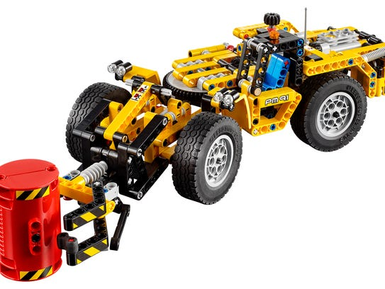 Build, play and control with the Technic vehicles from