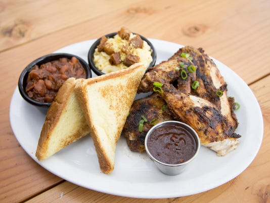 Smokehaus: Chicken plate