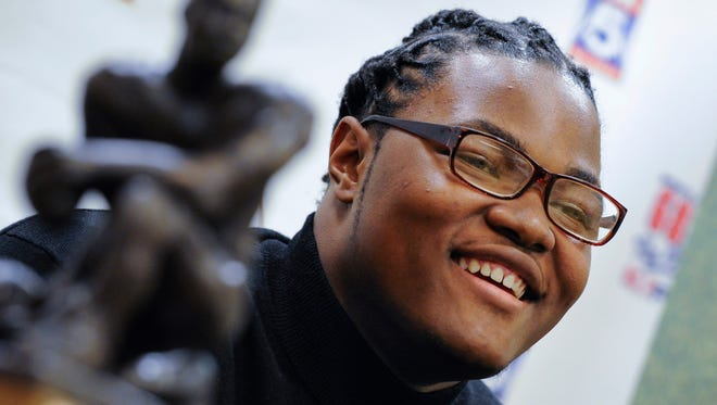 Defensive lineman Rashan Gary of Paramus, N.J, was a winner of the  Bobby Dodd high school player of the year award along with  quarterback Jacob Eason, of Lake Stevens, Wash.