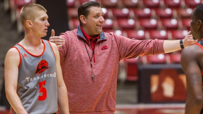 Southern Utah head basketball coach Todd Simon coaches his players during practice on Tuesday, Sept. 4, 2016.