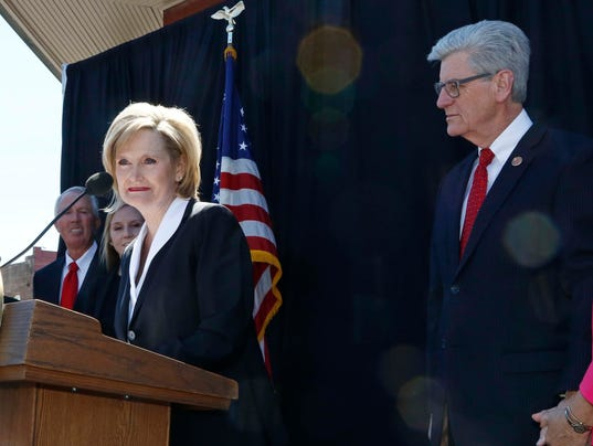 Cindy Hyde-Smith, Phil Bryant, Deborah Bryant