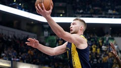 Indiana Pacers center Domantas Sabonis (11) shoots