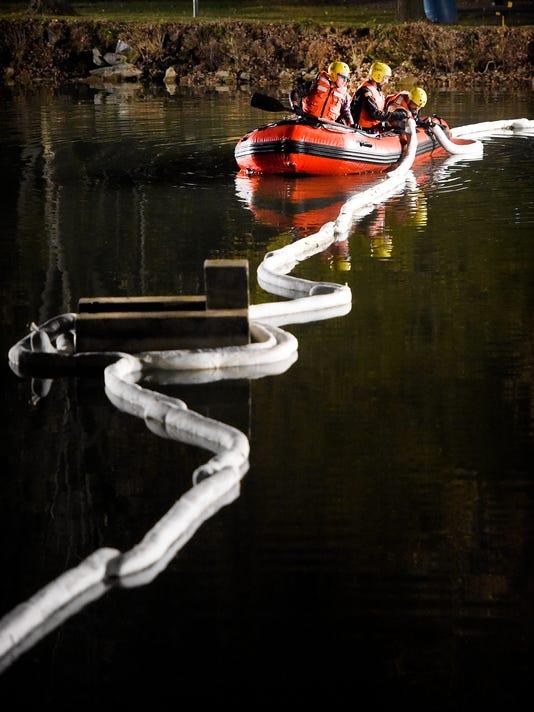 ldn-mkd-111416-spill myerstown pond-