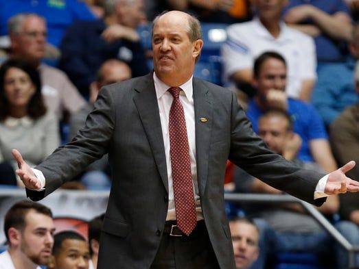 Vanderbilt coach Kevin Stallings reacts against Wichita