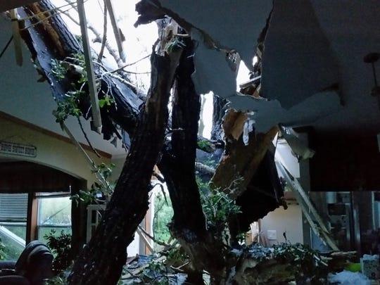 Smith home interior (2)