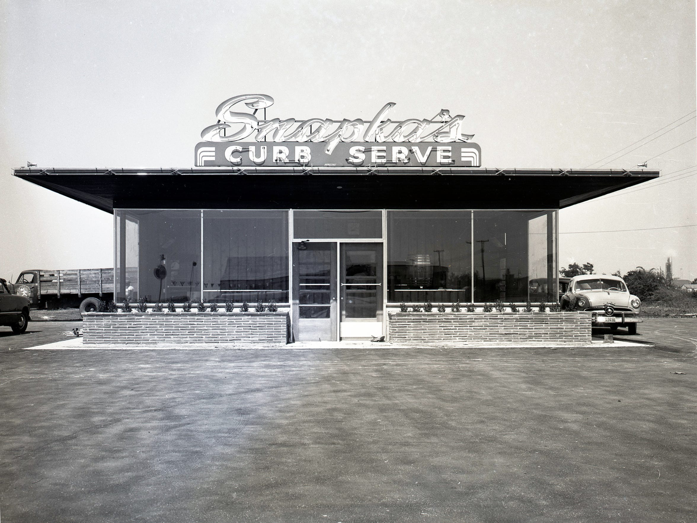 Snapka's Drive Inn on Leopard Street in September 1953. The first location opened in Robstown in July 1948.