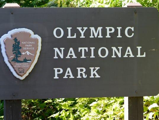 636355468381495639-Olympic-National-Park-sign.jpg