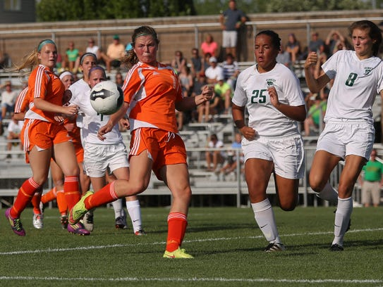 West Des Moines Valley sophomore Hannah Olson moves