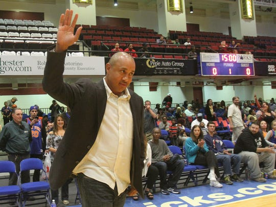 Former Knick John Starks was a guest coach in a Local