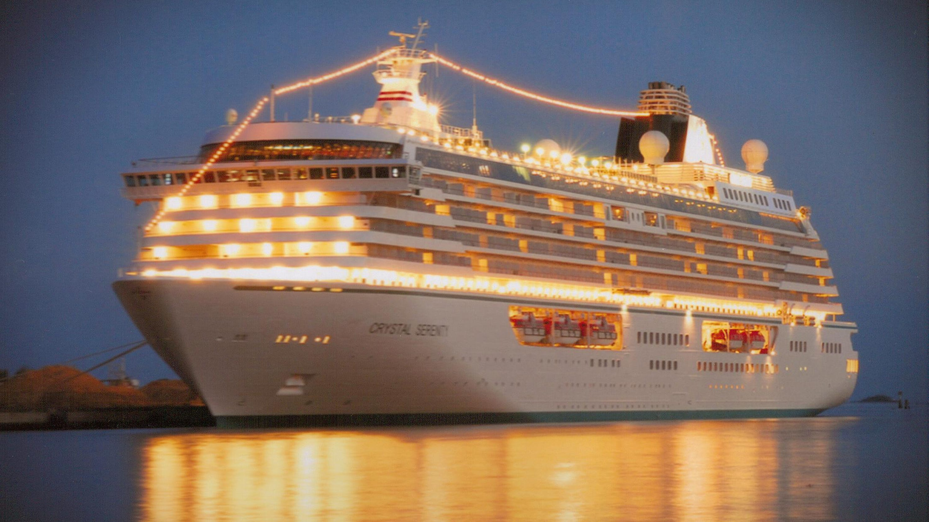 Woman Pays 164k Per Year To Live On Luxury Cruise Ship