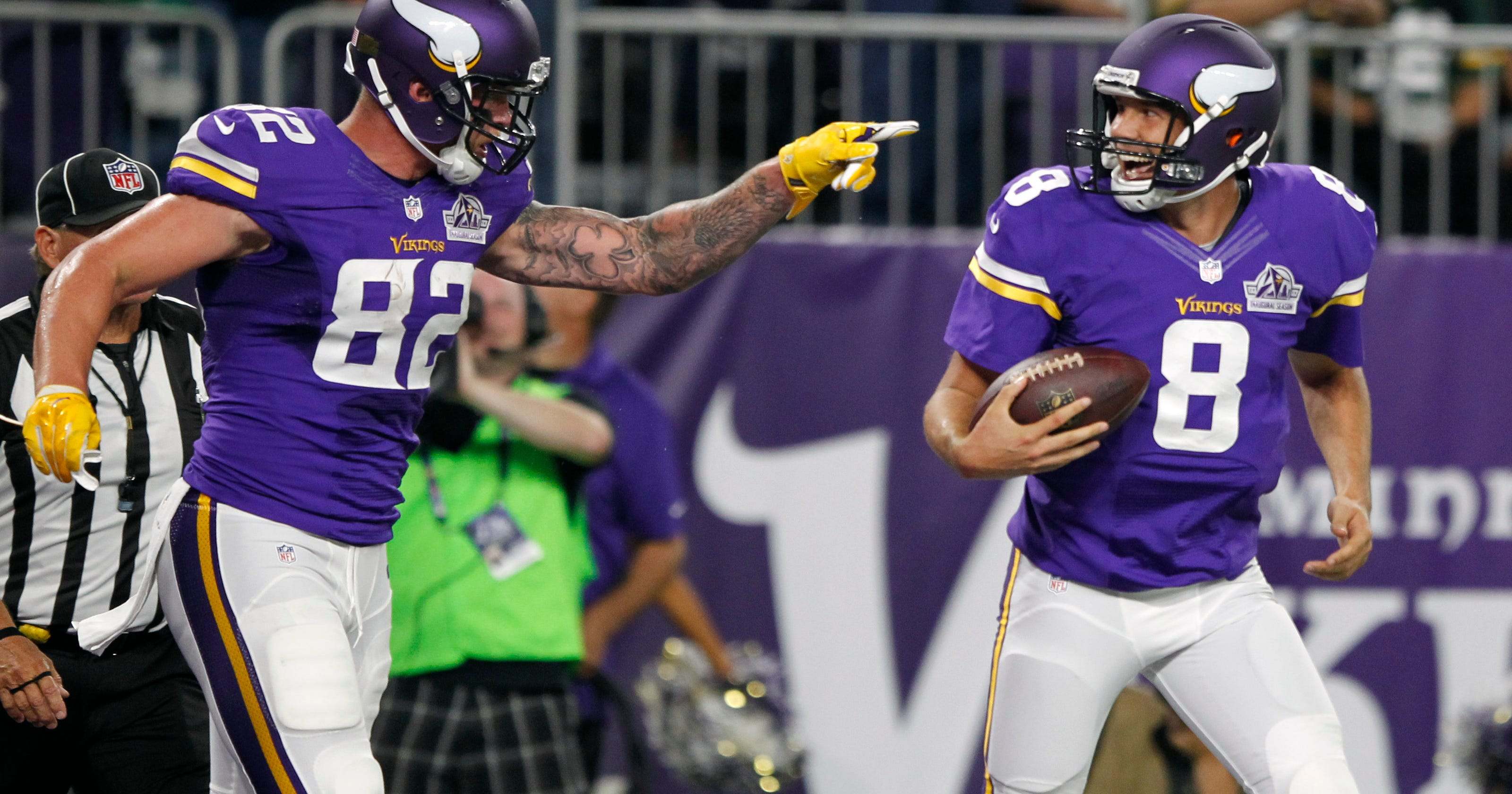 Sam Bradford leads Minnesota Vikings over Packers 17-14 in first start with  team f293238fe