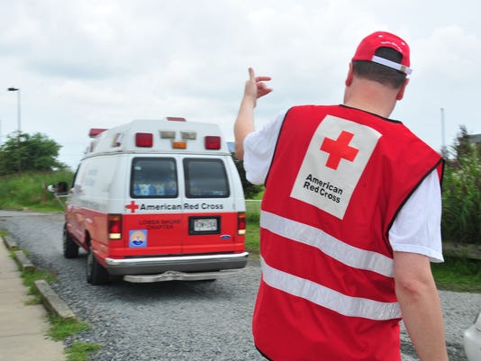 635950387023879541-red-cross-water-4.jpg