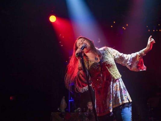 636535416465425613-Janis-actress-Kelly-McIntyre-in-concert.jpg