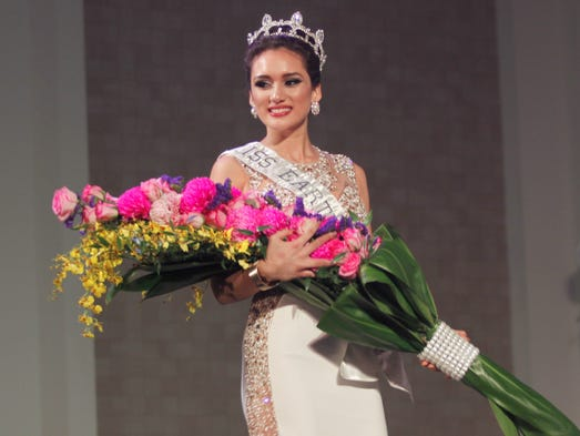Gloria Nelson, No. 8, is crowned, Miss Earth Guam 2016.
