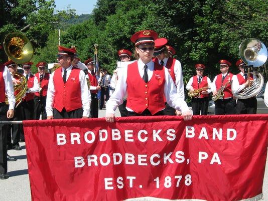 636081670199132539-Brodbecks-Band-1.jpg