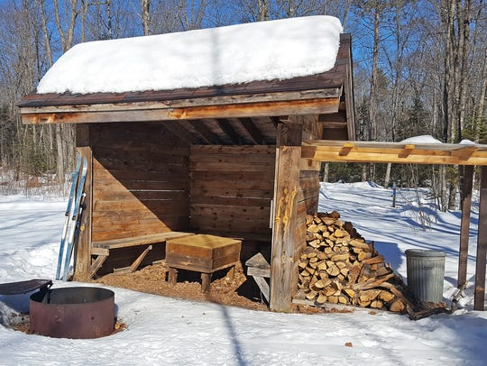 A warming shelter along the McNaughton Lake trails