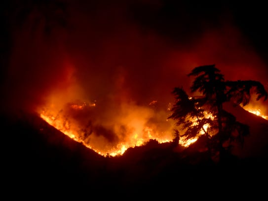 There are a variety of ways to help the victims of this week's Thomas Fire.