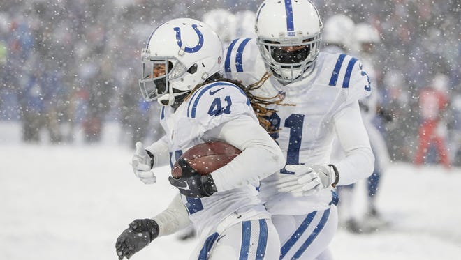 Quincy Wilson (right) saw 67 snaps Sunday, most of his rookie season. It was the first time he'd ever seen snow, let alone played in it.