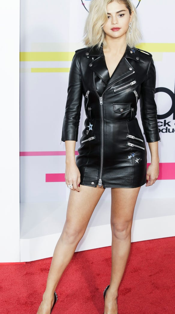 American Music Awards Best And Worst Dressed Stars Selena