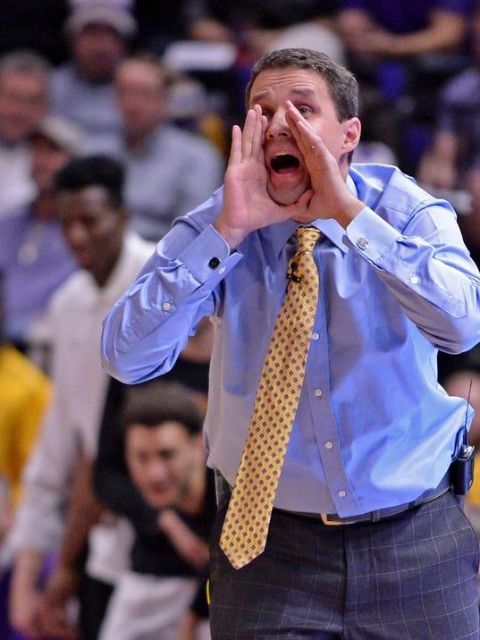 LSU head coach Will Wade coaches against Houston,  during an NCAA college basketball game Wednesday, Dec. 13, 2017, in Baton Rouge, La. (Hilary Scheinuk/The Advocate via AP)